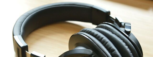 Get immersive sound with your headphones, even cheap, with the new Windows 10