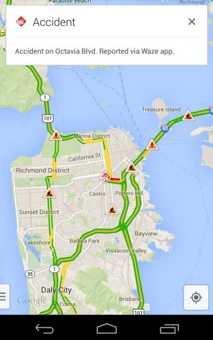 Google Maps och Waze är integrerade i mobilversionen