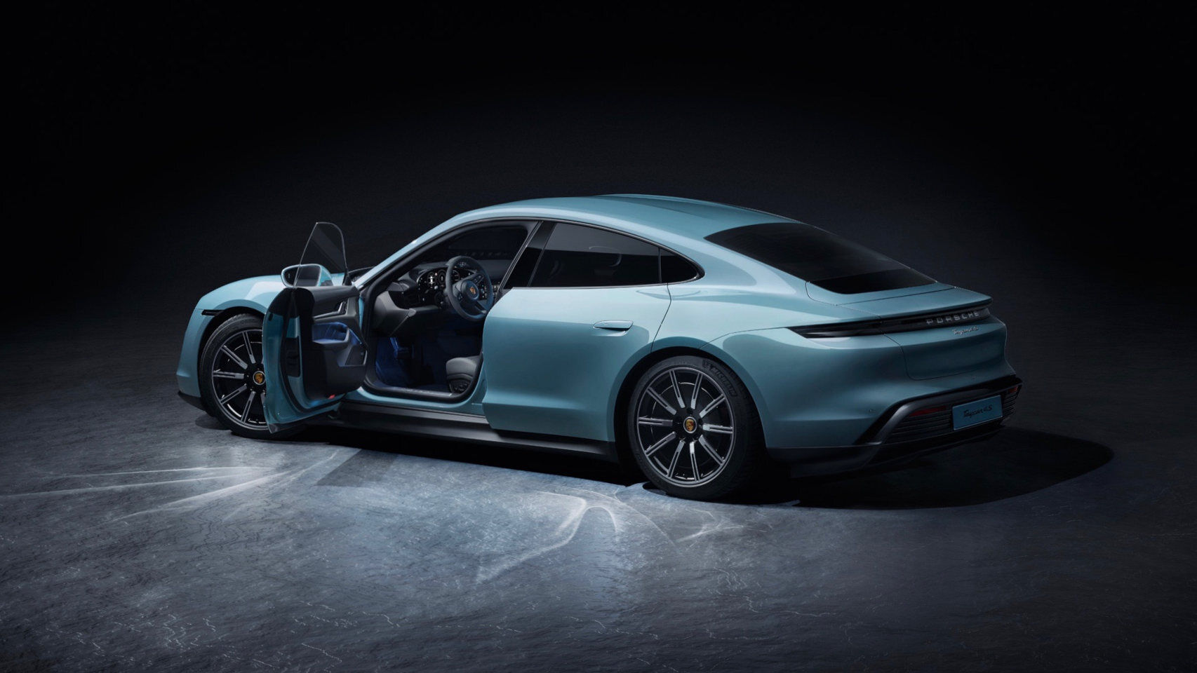 Porsche presents by surprise an electric that will make life difficult for Tesla